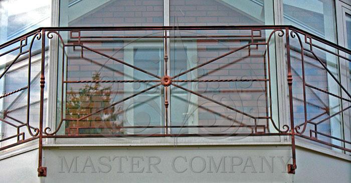 Классическая ковка для балконного ограждения.